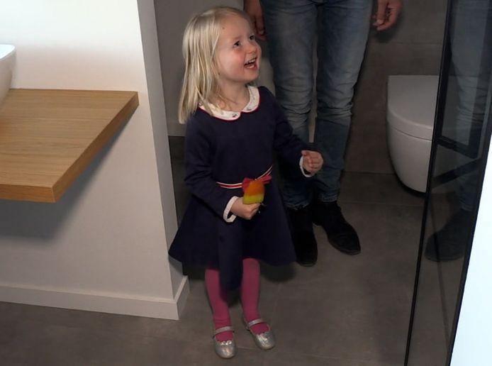 Claire was ontzettend blij met haar eigen badkamer.