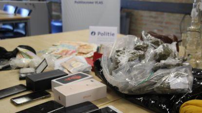 Met drugsgeld reizen en prostituees betaald