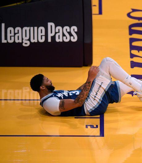 Les Lakers privés d'Anthony Davis pendant un mois