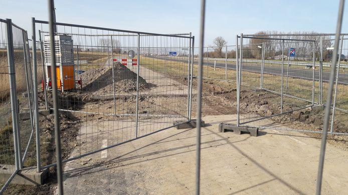 Uitgefreesd stukje parallelweg van de N61 vlakbij Schoondijke.