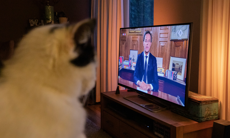 Premier Mark Rutte sprak maandagavond het land toe. Voorlopig zijn we nog niet van het coronavirus af. Foto Rob Voss