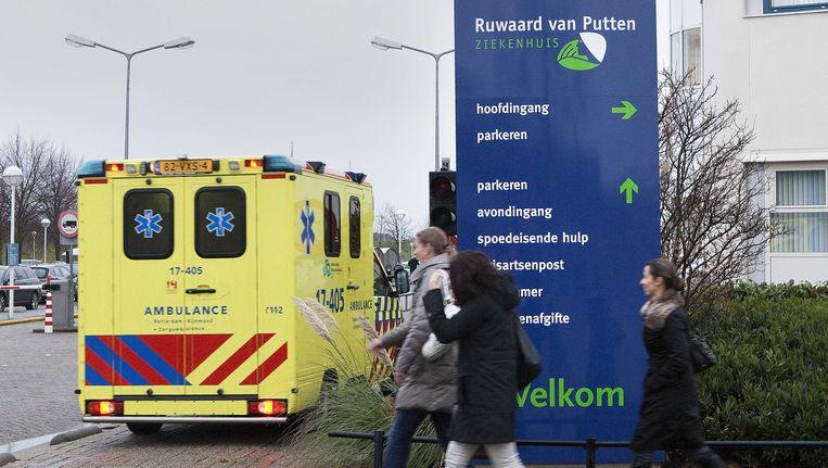 Hoofdingang van het Ruwaard van Putten ziekenhuis Beeld ANP