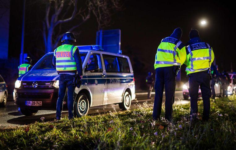 Honderden agenten werden opgetrommeld om de dader te zoeken. Beeld AFP