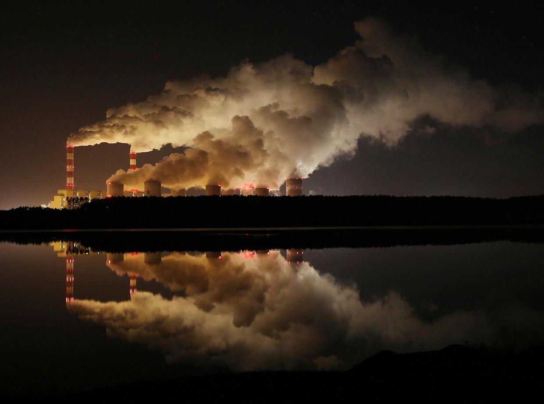 De bruinkoolcentrale in het Poolse Belchatow.