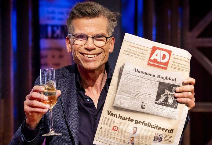 Hoofdredacteur Hans Nijenhuis tijdens AD 75 Live, op 27 april. Een dag later kondigde hij aan per 1 juli terug te treden als hoofdredacteur. Rennie Rijpma is de nieuwe hoofdredacteur.