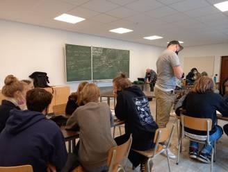 """Leuvense leerlingen verwerken corona in zelfgeschreven rap: """"Uitkijken naar schooljaar zonder corona"""""""