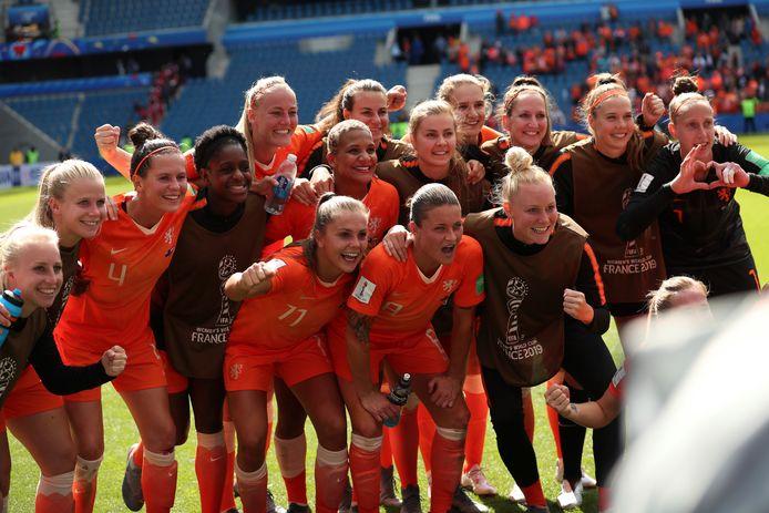 De winnende ploeg op de foto.