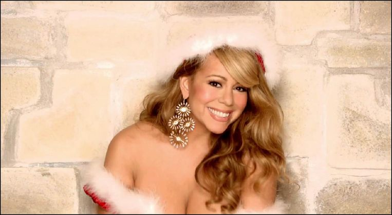 Mariah Carey in de video voor 'All I Want For Christmas Is You'