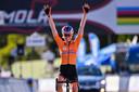Anna van der Breggen grijpt de wereldtitel in Imola.