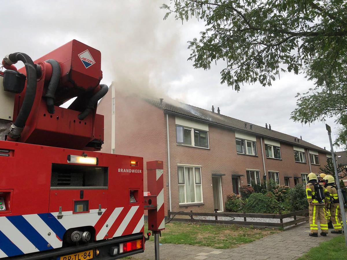 Brand in een hoekwoning aan de Acaciahof in Vaassen.