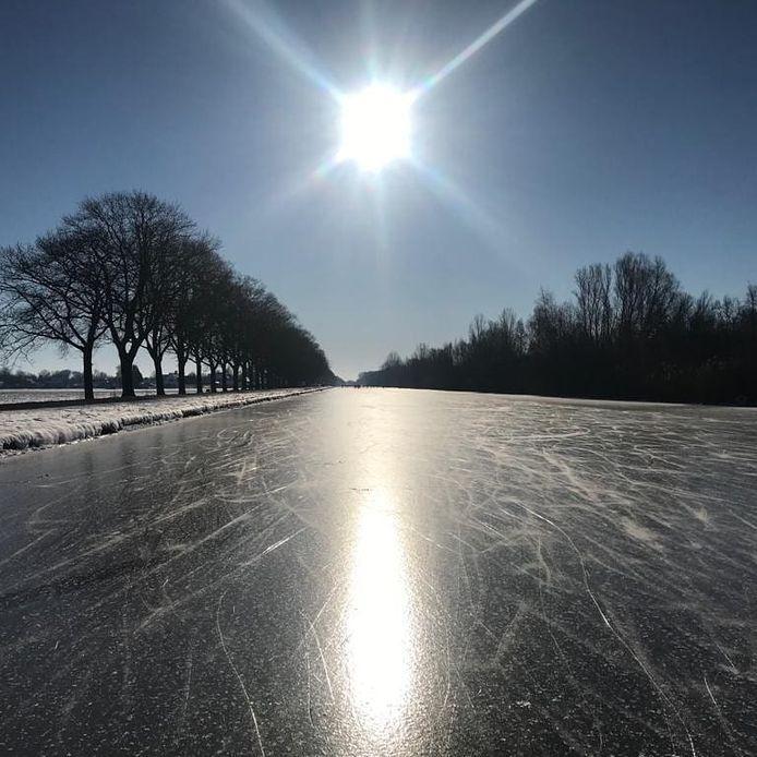 Een bevroren kanaal in Twente.
