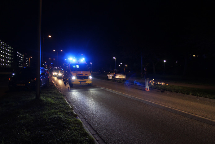 Het ongeluk vond plaats op de Europa-allee, ter hoogte van de Acacialaan, in Kampen.