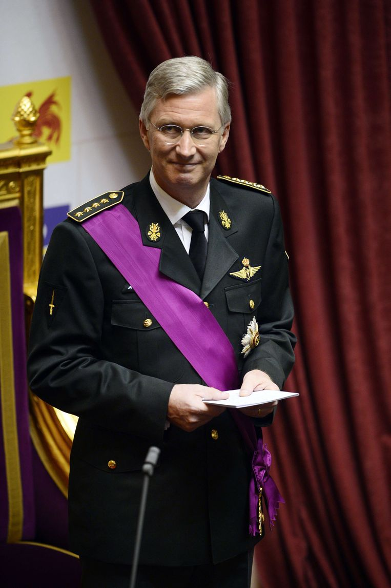2013-07-21 Crown Prince Philippe of Belgium takes the oath on July 21, 2013 during a ceremony at the Chamber at the Federal Parliament in Brussels. Albert II on July 21 abdicated in favour of his son Philippe, set to become the country's seventh king amid National Day celebrations marked by hopes the fragile nation can remain united. AFP PHOTO / BELGA / YORICK JANSENS -- BELGIUM OUT -- Beeld AFP