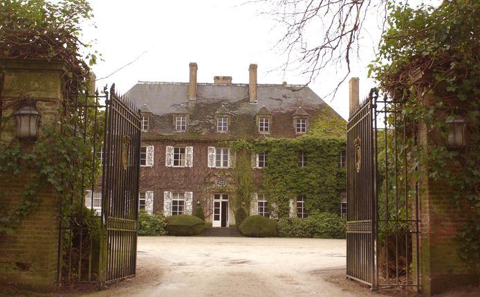 Het kasteel van Argenteuil bij de verkoop in 2004.