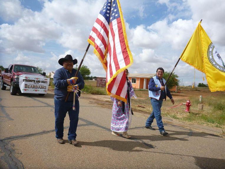 Demonstrerende indianen. Voor het eerst lobbyen leden van vijf stammen samen voor bescherming van hun gebied. Beeld AP
