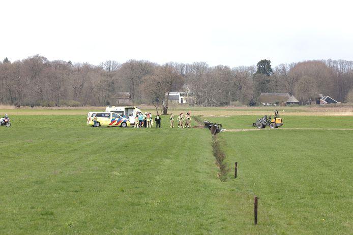 Door een noodlottig ongeval is een inwoner uit Dalfsen vanmiddag om het leven gekomen.