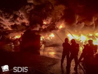 Brand in chemiebedrijf Rouen blijft zorgen baren: manifestanten eisen de waarheid