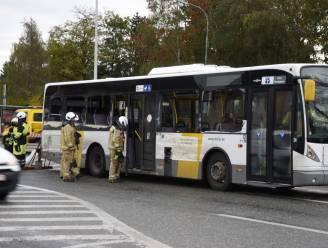 Lijnbus botst met betonmixer in Appels