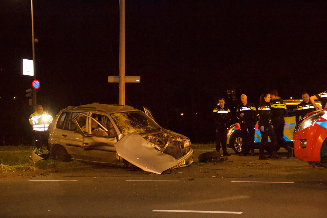Een van de auto's raakte zwaar beschadigd.