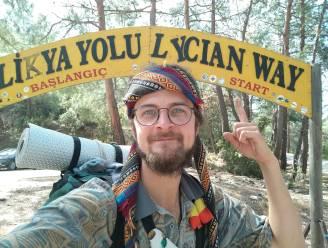 """Bram Vanhove (24) uit Diepenbeek al één jaar met oude Ford Transit op weg naar India: """"Reisrichting heb ik, maar ik doe het vooral rustig aan"""""""