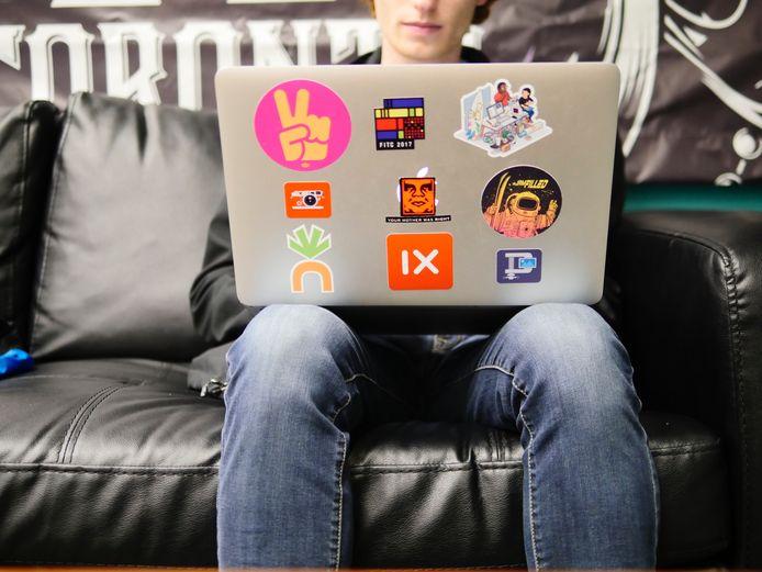 Van schoolkind tot student: zo kies je de beste laptop.