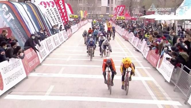 Arvid de Kleijn wint eerste etappe Ronde van Turkije, Philipsen en Cavendish komen er niet aan te pas