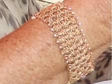 Hoge beloning voor de vinder van emotioneel waardevolle sieraden, gestolen in Epse