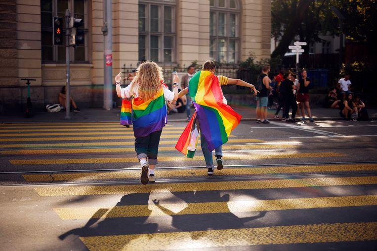 Demonstranten voor het homohuwelijk tijdens een protestmars in Zürich, 4 september.  Beeld AP
