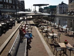 De horeca moet toestemming krijgen terrassen te openen, ook als de aantallen besmettingen nog niet hard afnemen