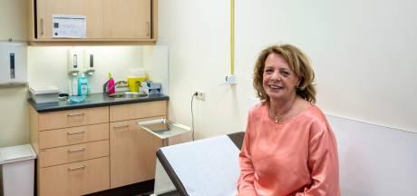 Moeder van de praktijk gaat na 47 jaar eindelijk met pensioen: 'De tijd dat ik alles wist, is allang voorbij'