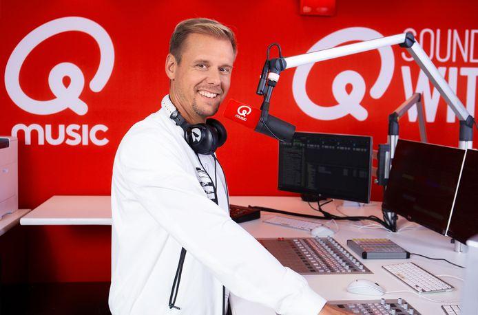 Armin van Buuren in de studio van Qmusic.