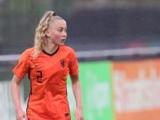 Oranje-voetbalster Danique uit Achterveld scheurt kruisband af: 'Hier kan ik alleen maar van leren'