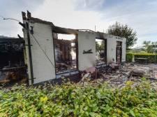 Julian (28) en zijn maatje raakten door brand in Oene alles kwijt en zoeken woonruimte