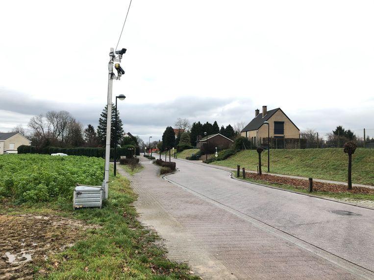 Onder meer in de Voskapelstraat in Sterrebeek staan tijdelijke ANPR-camera's.