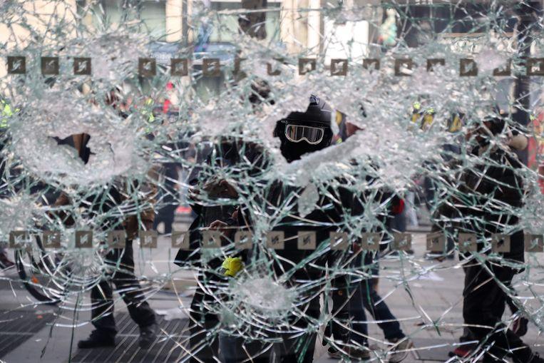 Frankrijk zet de harde middelen in om nieuw geweld tijdens protesten van de gele hesjes te voorkomen. Beeld AFP