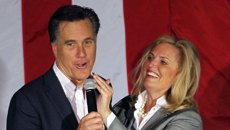 Ann Romney (r) met man Mitt. Beeld ap