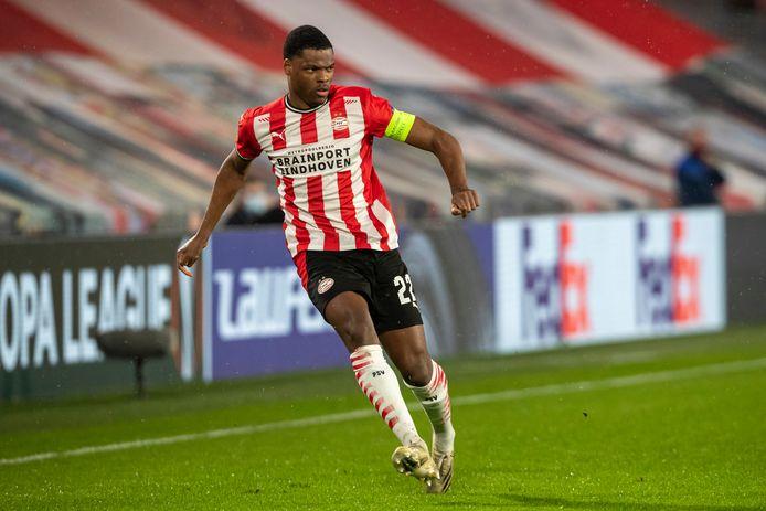 Denzel Dumfries zag PSV een goede eerste helft spelen, maar de 2-0 voorsprong bleek uiteindelijk niet genoeg.