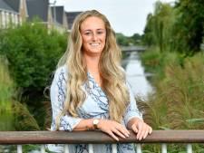 Danniëlle (31) doet na borstamputaties mee aan Swim to Fight Cancer: 'Voor mezelf en al die anderen'