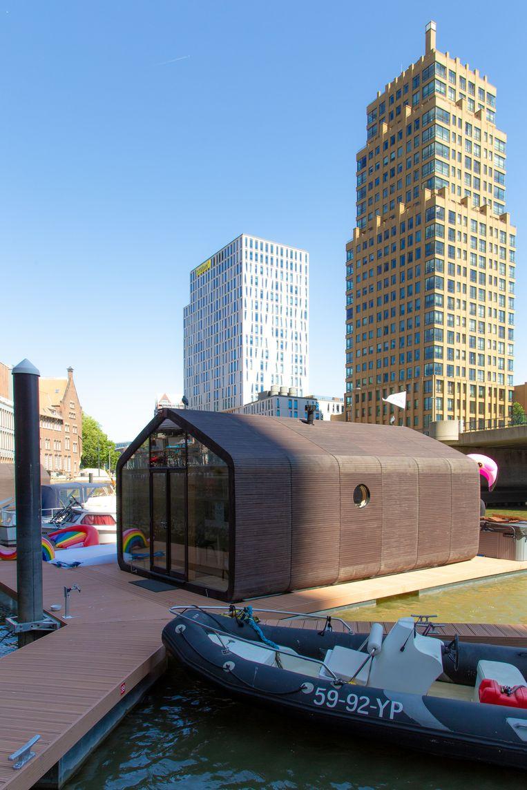 Wikkelboat in de Rotterdamse Wijnhaven. Beeld Boje Ploeg