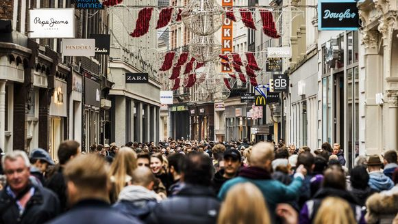 De Kalverstraat is een van de drukste plekken in Amsterdam en dus een plek waar terroristen vroeg of laat wel eens zouden kunnen toeslaan.
