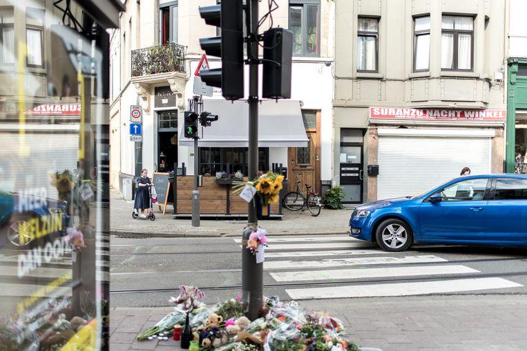 Het kruispunt van de Lange Leemstraat en de Sint-Vincentiusstraat waar het tragische ongeval plaatsvond. Beeld Tine Schoemaker