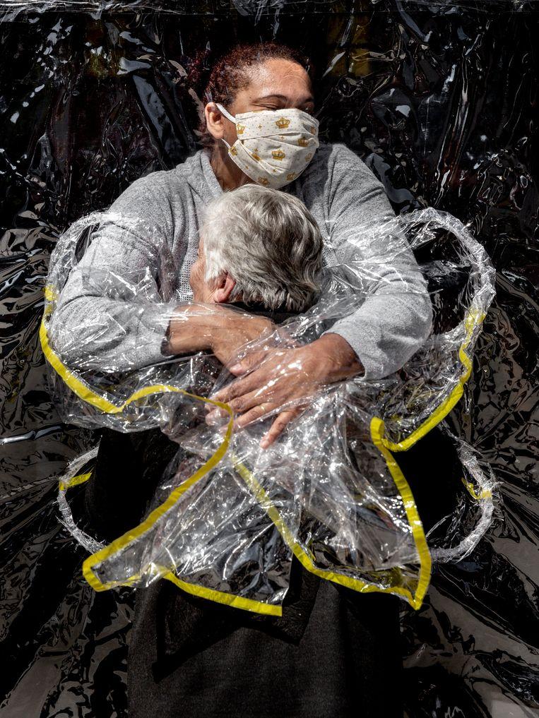 De winnende foto van de Deense fotograaf Mads Nissen. Beeld AP