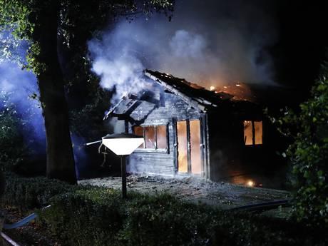 Brand nummer zeven verwoest chalet op vakantiepark in Epe