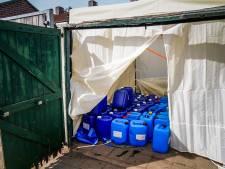 Tientallen drugsvaten in Eindhovense tuin, buurt reageert niet verbaasd: 'Al heel lang niet pluis'