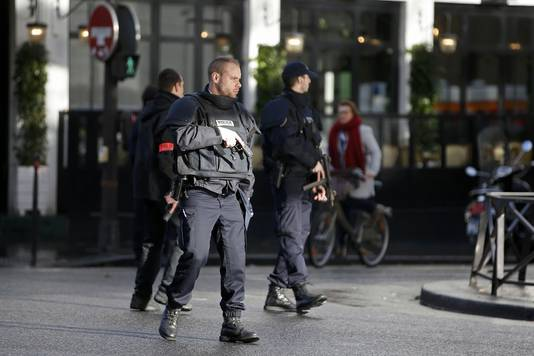 Le quartier de La Goutte d'Or est bouclé par la police.