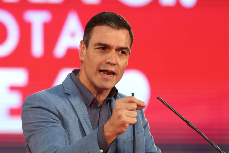 De sociaal-democratische demissionair premier Pedro Sanchez tijdens de verkiezingscampagne, eerder deze week.  Beeld Reuters