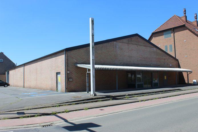 Er zijn grote verbouwingsplannen met de vroegere Smatch in Zomergem.