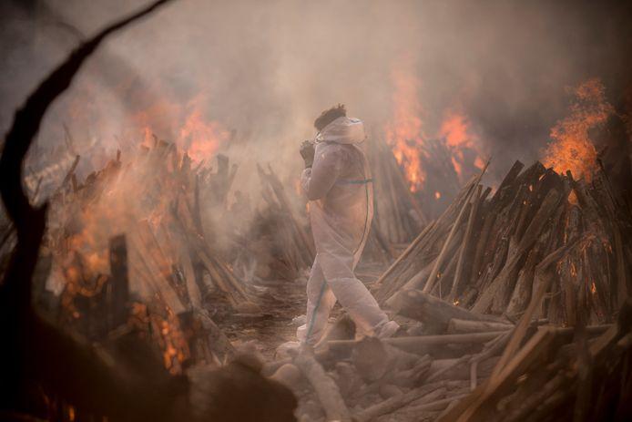 Massaverbranding, gisteren, in een crematorium in New Delhi.
