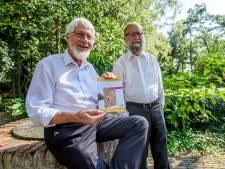 Elke dag een 'rozijn' theologie dankzij boek van twee Elshoutse priesters