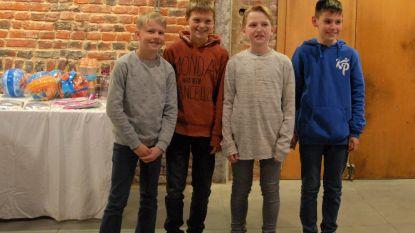 De ploeg 'Kwistet' uit Oetingen wonnen de quiz